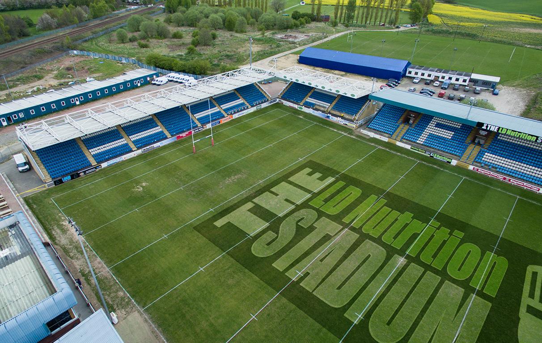 ld-stadium-side